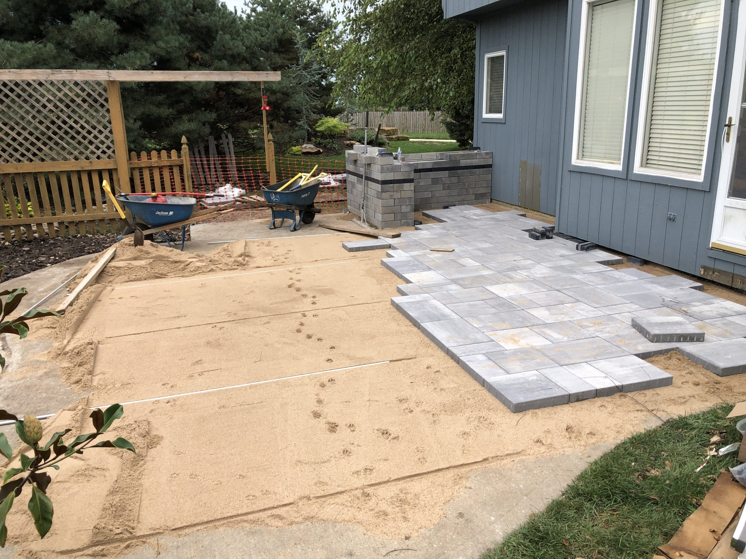Installing Unilock Beacon Hill Smooth Paver Patio